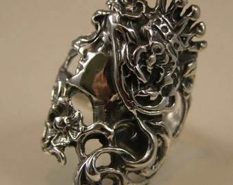 Solid Sterlng Silver Deco Queen Ring