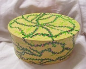 Gift box-Victorian yellow green and pink oval