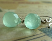 Menta verde - Glass Chalcedony and Sterling Silver Earrings