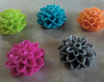 50 Flower Resin Cabochons, 16 mm Resin Flowers, add to your pendants, rings blanks, earring blanks and more