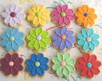 DAISY CHAIN -  Daisy Cookies - Daisy Cookie Favors - Flower Cookies -1 Dozen