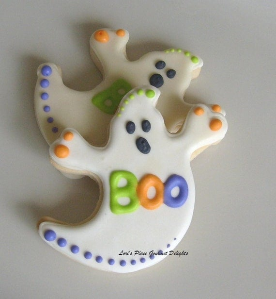 Reserved for Tresa-----Ghost  Decorated Cookies - Halloween Cookies -  Halloween Cookie Favors  - 1 Dozen