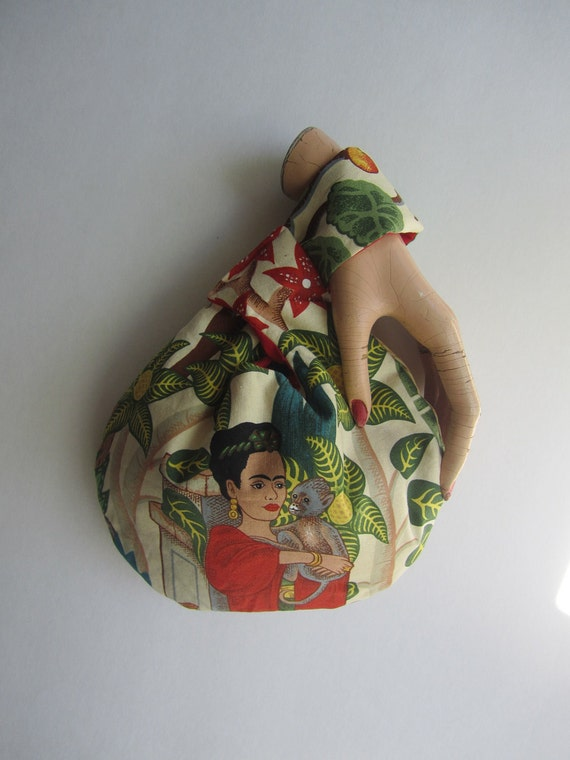 The Itsy Wristlet - Reversible - in Frida Kahlo - The Perfect Wristlet Rant