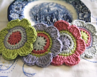 Set of 4 pcs Organic Cotton Crochet Flower Appliques in Lime, Bilberry, Raspberry and Glacier