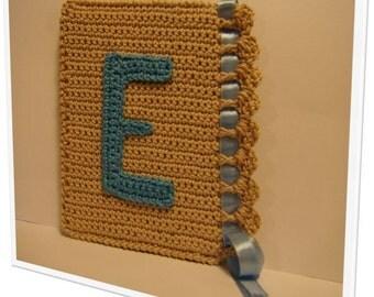 """Cute crochet alphabet - """"E"""". Door frame or closet"""