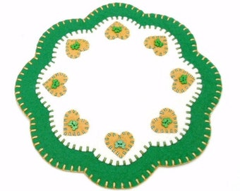 Shamrock and Heart Design Penny Rug Style Tree, Candle or Table Mat - 11.5 Inches