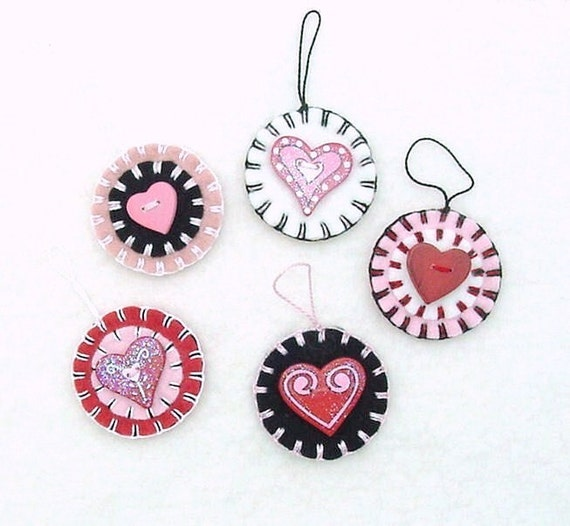 5 Hand Sewn Penny Rug Style Valentine Ornaments