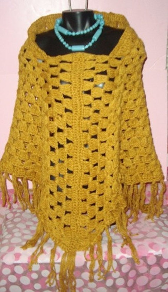 GROOVY GOLD Chunky CROCHET VTG 70s  HIPPIE Square Neck FRINGE PONCHO Sweater