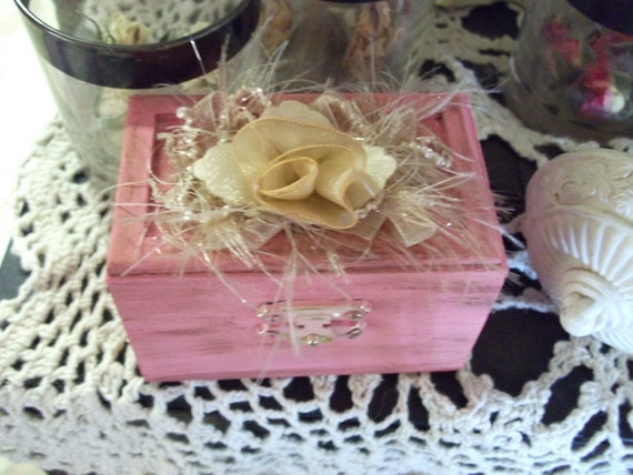 French Country Shabby Chic Ring Bearers Pillow Box