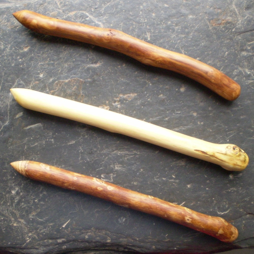 Free shipping on everything set of 3 natural wood wands for Wooden elder wand