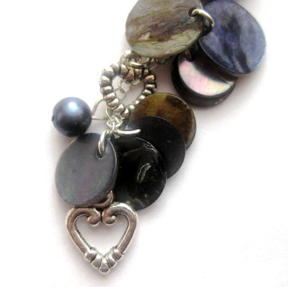 https://www.etsy.com/ie/listing/41893789/blue-purse-charm-pearls-mother-of-pearl?ref=shop_home_active_2&ga_search_query=hearts