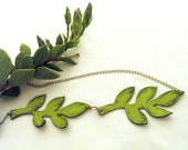 Long leather necklace green branch