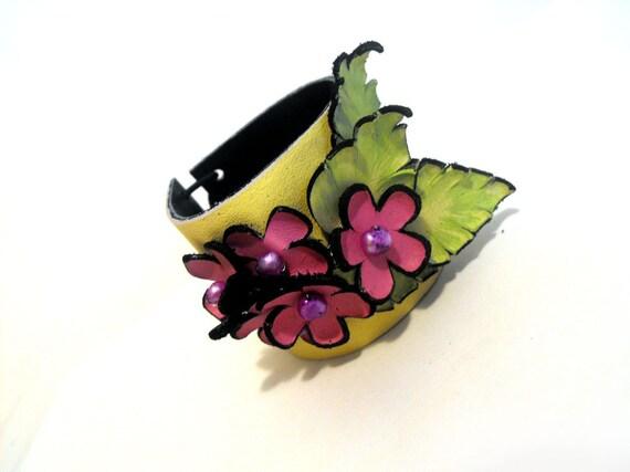 Flowers leather bracelet bright color