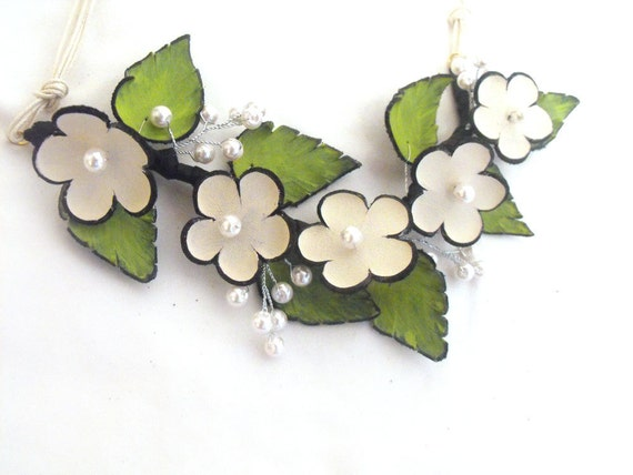 Unique wedding necklace from leather