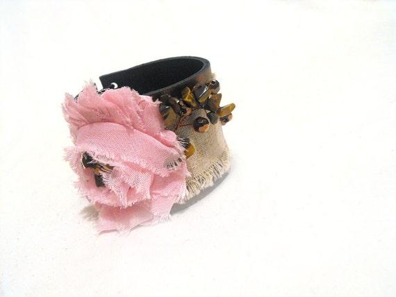 Shabby rose leather bracelet. Pink color