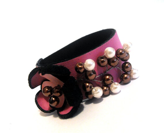 Pink flowers leather bracelet