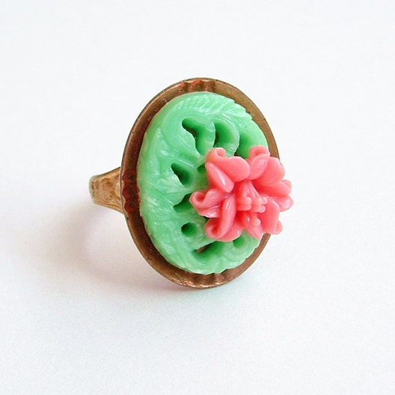 Pink Lily Ring Vintage Japanese Plastic Flower Cabochon Spring Floral Coral Mint