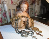 DANUSHAROSE Made in Spain VINTAGE Serene and Inspired 7x5 inch Mary Statue made out of plaster with 2 vintage matching rosaries and medals for your home altar