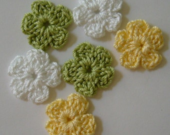 Crocheted Flowers - White, Green and Yellow - Cotton Flowers - Crocheted Flower Embellishments - Crocheted Flower Appliques - Set of 6