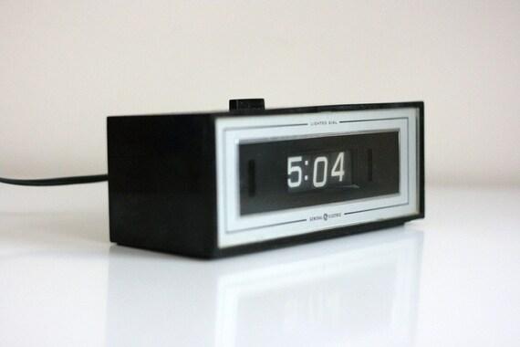 alarm clock vintage ge flip number clock. Black Bedroom Furniture Sets. Home Design Ideas