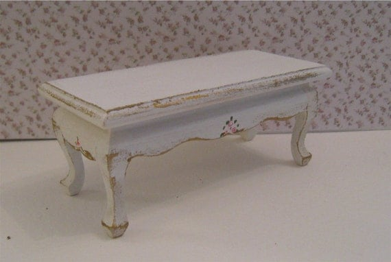 Shabby Chic coffee taable, distressed white with rose bouquets, twelfth scale miniature