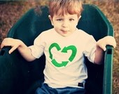 long or short sleeve....Earth Day .... everyday.......I heart to recycle..... Green Tee....baby...toddler...boys or girls.....