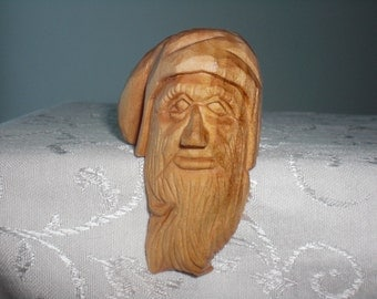 Hand Carved Shelf Dwarf 01