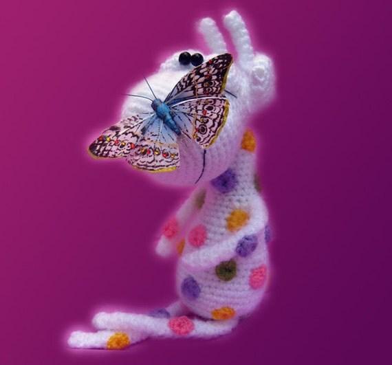 Amigurumi Pattern - Albino Giraffe with rainbow spots.