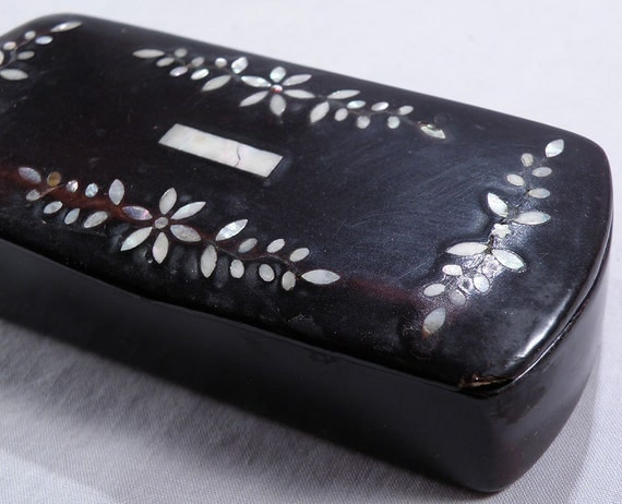 Papier Mache Antique SNUFF BOX with Mother of Pearl