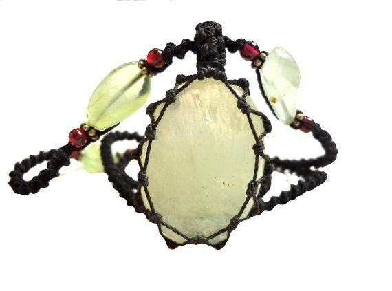 green CALCITE macrame Necklace- Your Stone for Cleansing-  fairy healing crystal yogoa boho bohemian