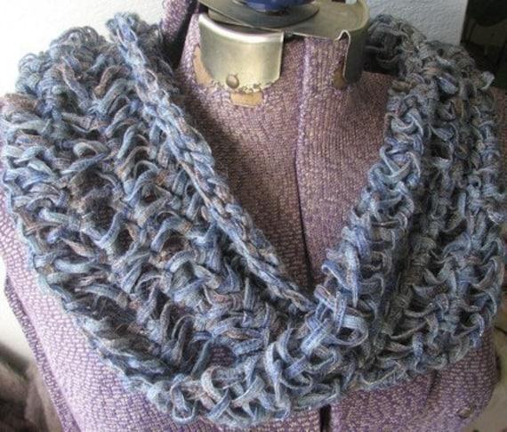 CROCHET HOOD PATTERN SCARF - Crochet Club