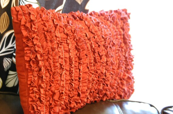 SALE    FREE SHIPPING    Tiny Ruffles Pillow in Red Cotton