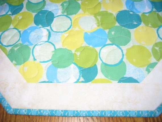"""Quilted Octagon Mat in Lime and Aqua Circles - 22"""" diameter"""