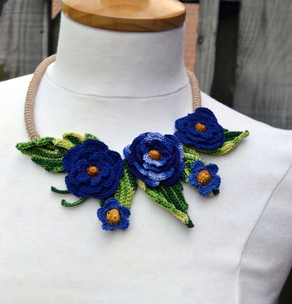 Crochet necklace choker flower floral cotton in blue