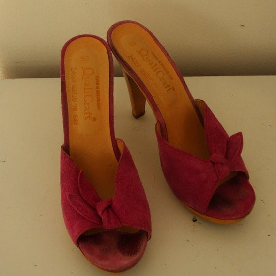 Vintage QualiCraft Wood and Leather High Heel Slip on Shoes