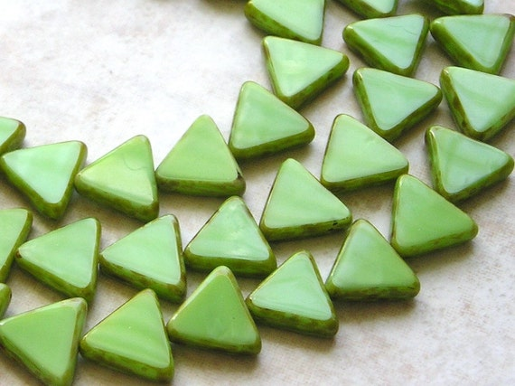 12mm Opaque Kiwi Green Picasso Edged Table Cut Czech Glass Triangle Beads (B298)