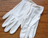 Vintage White Gloves with Pearl and Bow Details