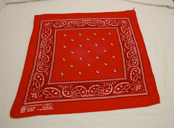 Vintage All Cotton Colorfast RED paisley BANDANA Made in USA Paris