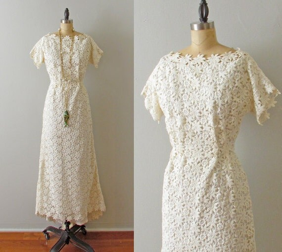 RESERVED 1960s wedding - simple bohemian ivory Venice Lace wedding dress small