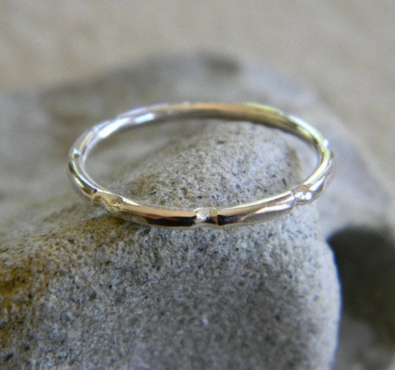 Simple Notched Sterling Silver Ring - sz 8