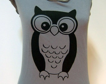 Womens Tee. Owl with Glasses. Grey Tee. Sheer Jersey
