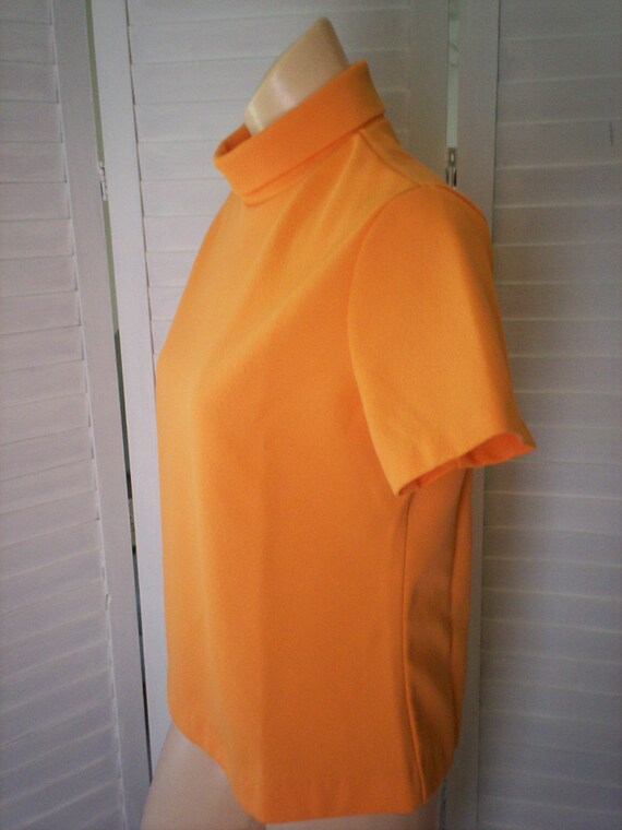 Orange Shirt, Top with Short Sleeves - Size M