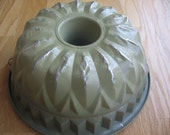 Sweet Vintage Sage Green Cathedral Style Bundt Cake Baking Pan Shabby Chic Style