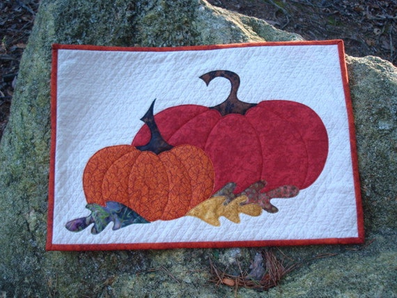 Pumpkins and Leaves Wallhanging