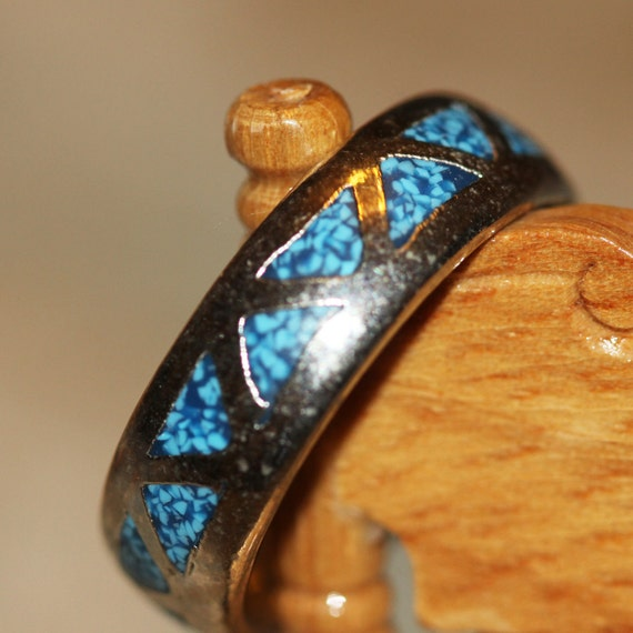 American Indian--Southwestern Turquoise Triangles  and Solid Silver Wedding Ring - Unisex - about sz 9-10