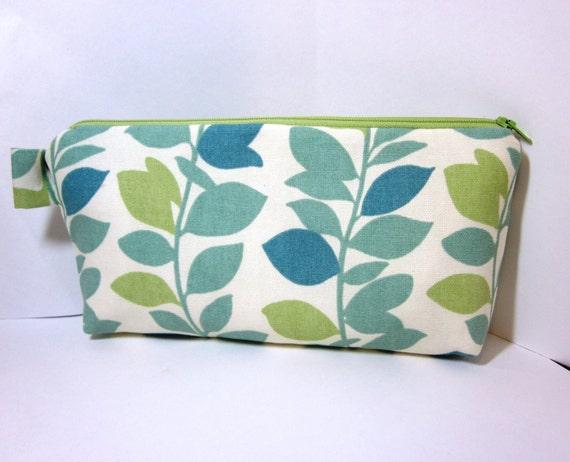 Leaf Garland Medium Cosmetic Pouch