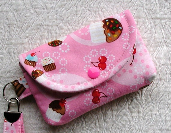 Small Snap Wristlet ...Cupcakes in Pink