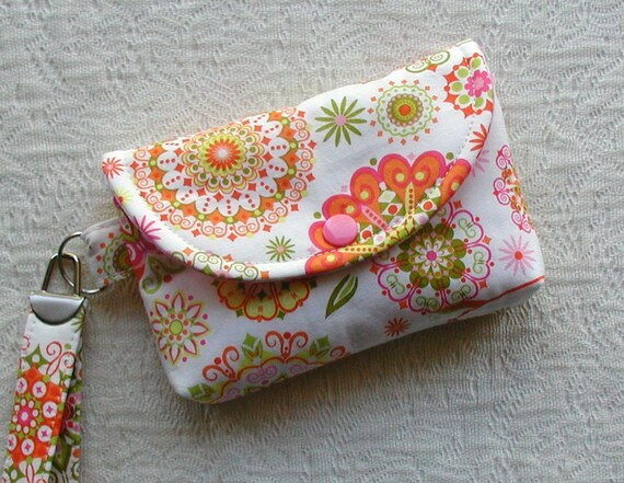 Medium Snap Wristlet ... California Dreamin' in Pink
