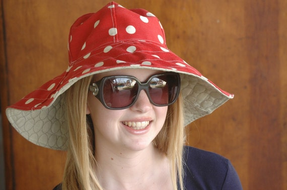 Flipped Bird floppy reversible hat. Happy Hat. So cute, chic and perfect for the beach, pool or those tropical vacations