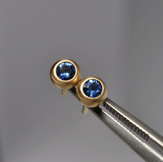 ceylon blue sapphire bezel earrings- 18k gold